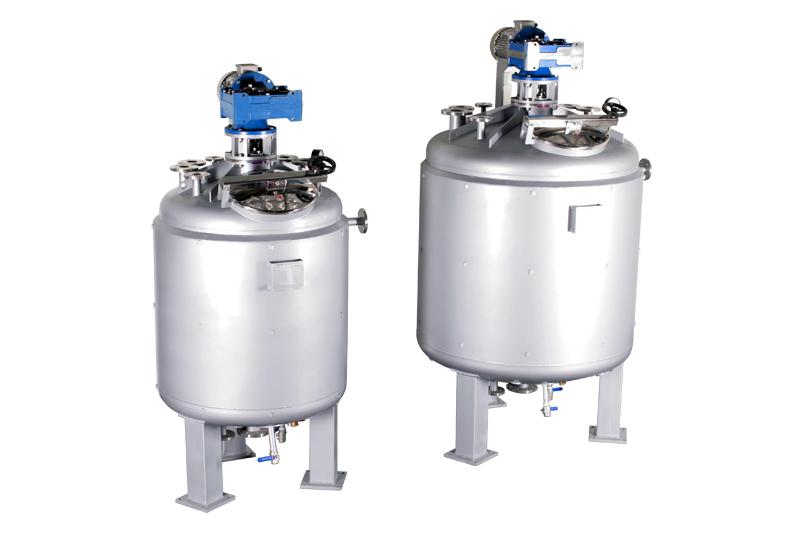 Смесители для химической промышленности (1000 и 2000 литров полезного объема)